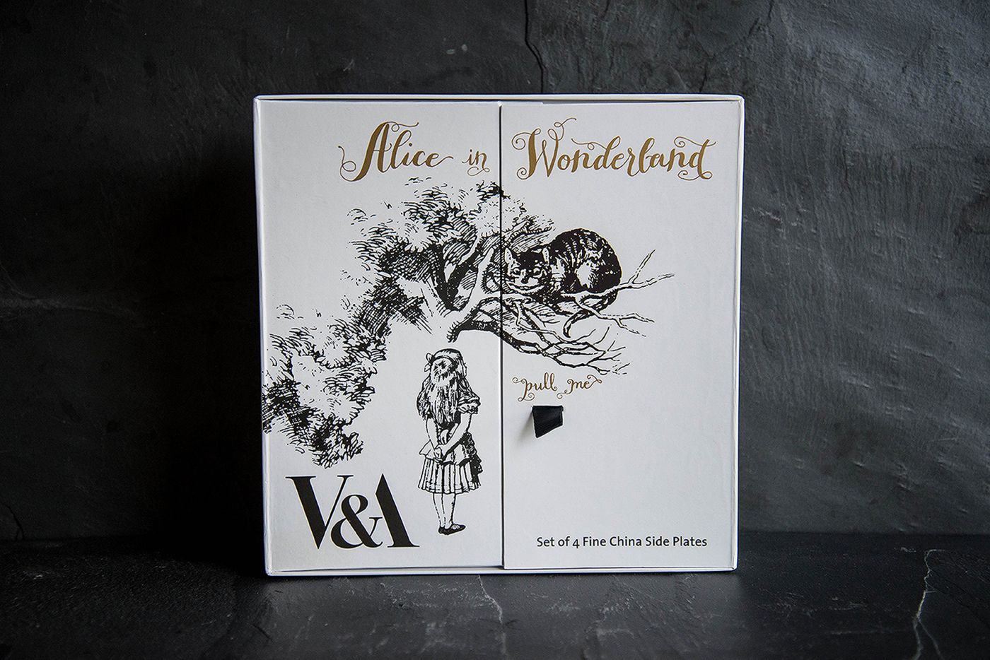 Alice In Wonderland Set Of 4 Side Plates V&A Alice