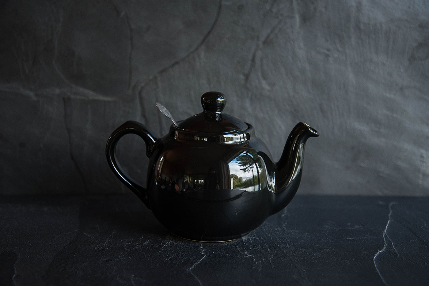 Farmhouse Black 2 Cup Infuser Teapot