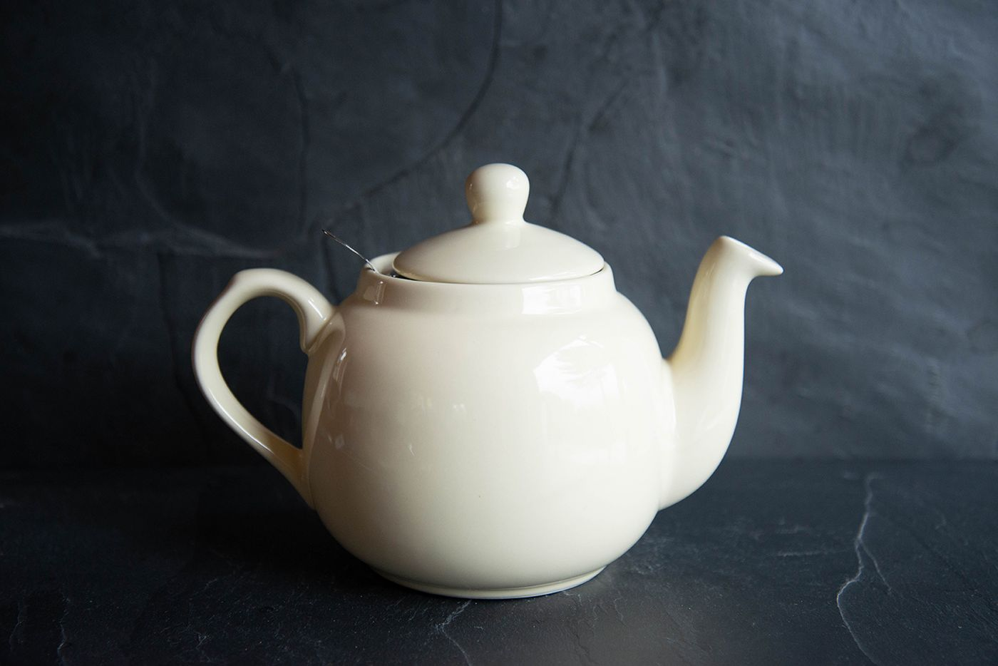 Farmhouse Ivory 4 Cup Infuser Teapot