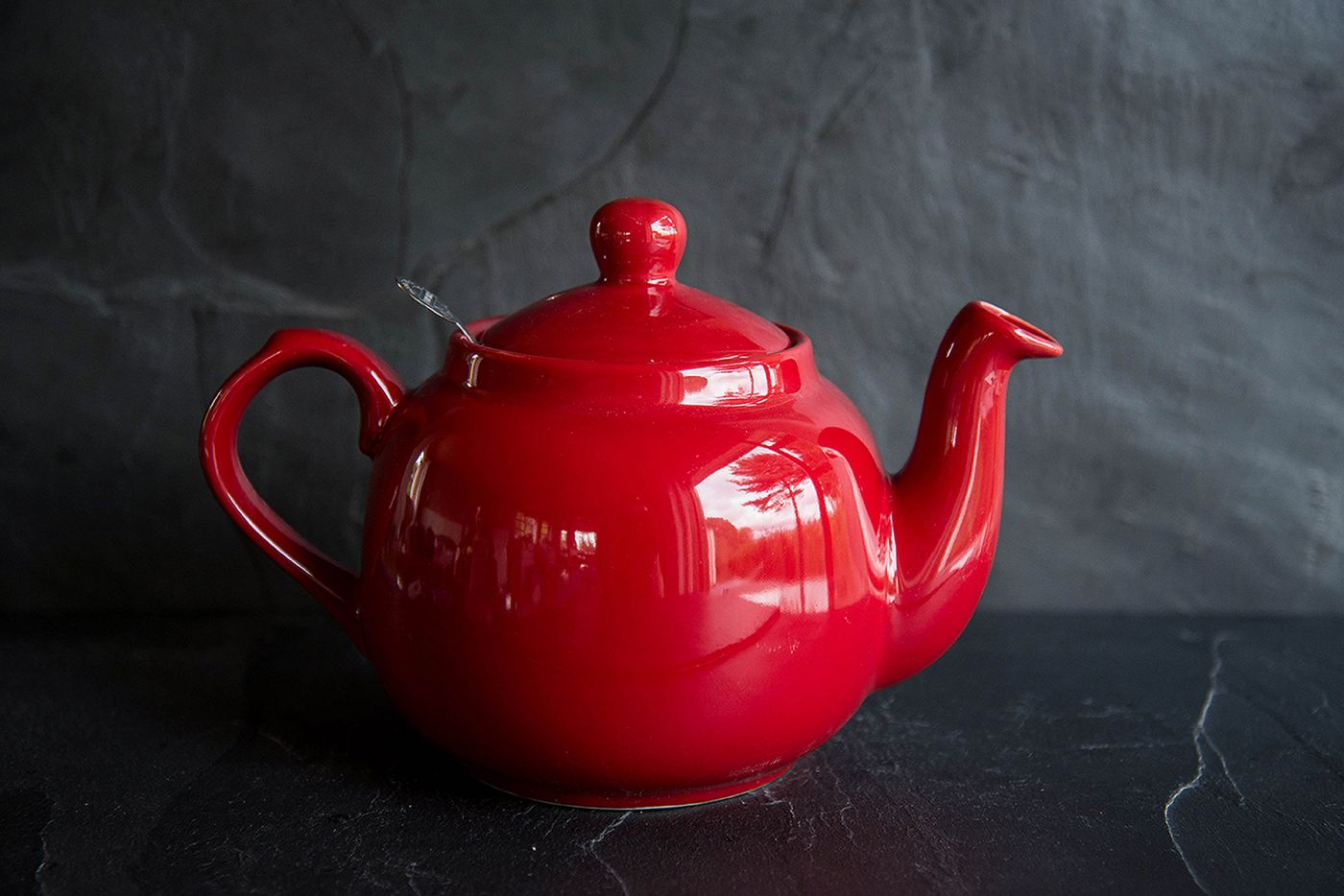 Farmhouse Red 4 Cup Infuser Teapot