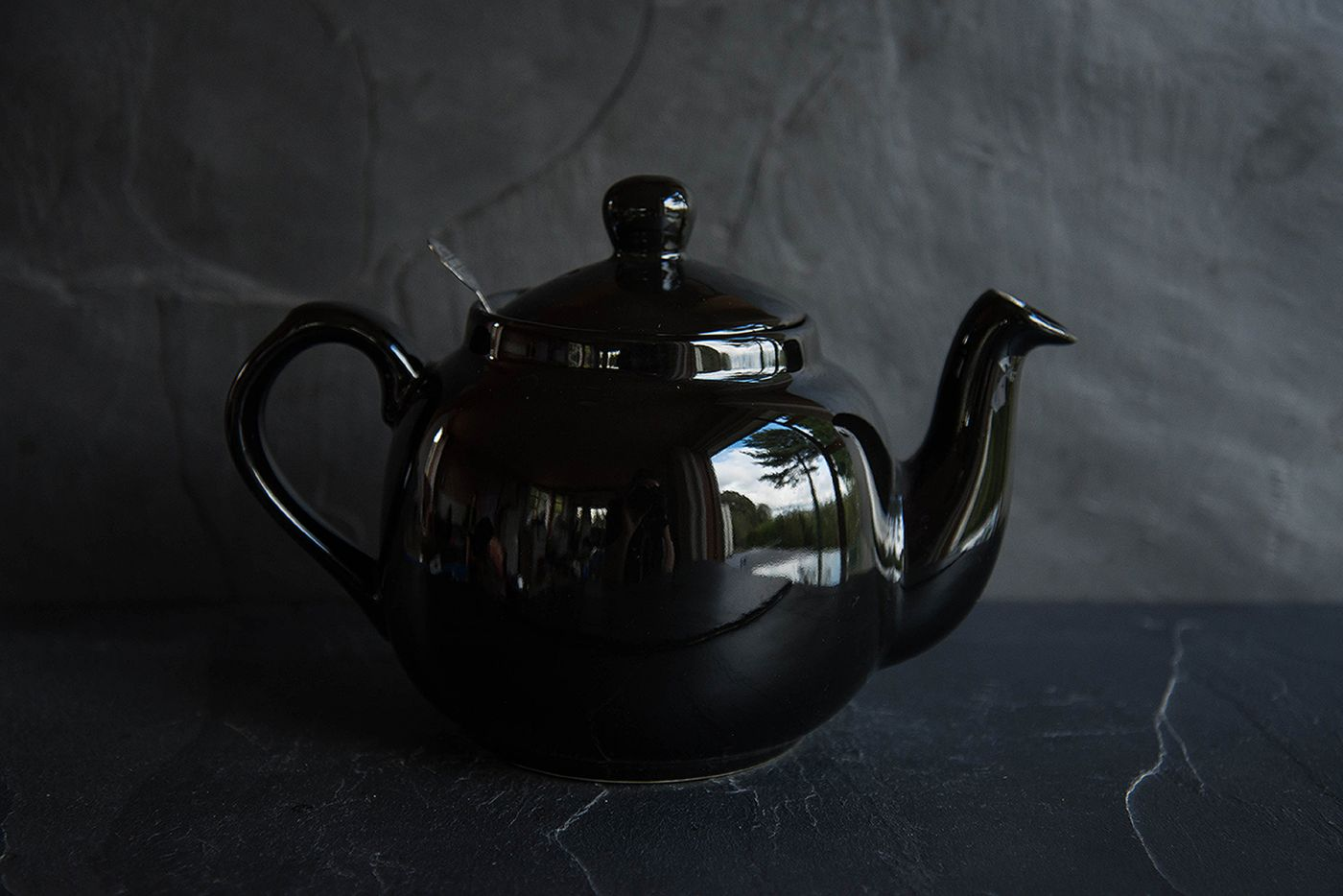 Farmhouse Black 4 Cup Infuser Teapot