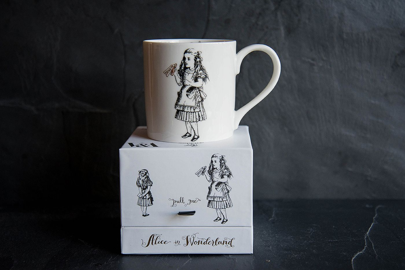 Alice In Wonderland Mug V&A Alice