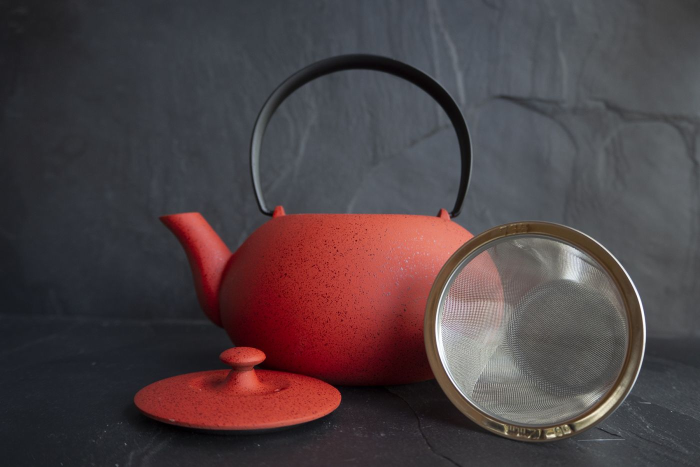 Wazuqu Japan Red Japanese Cast Iron Teapot 0.55L