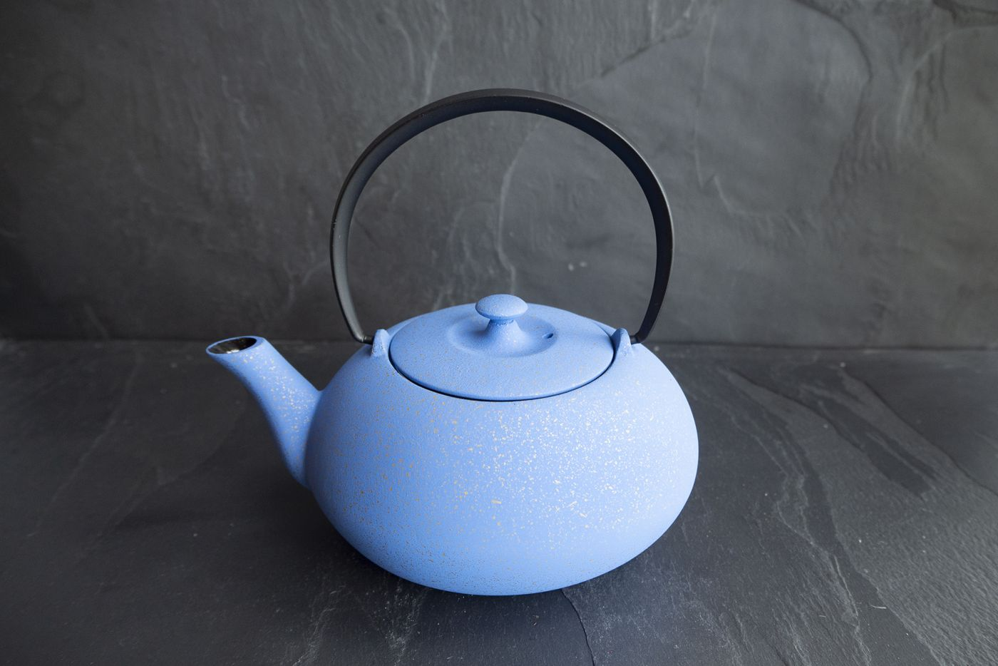 Wazuqu Gitane Blue/Gold Japanese Cast Iron Teapot 0.55L